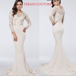 TERANI COUTURE Long Sleeve Matte Jersey SheathGown